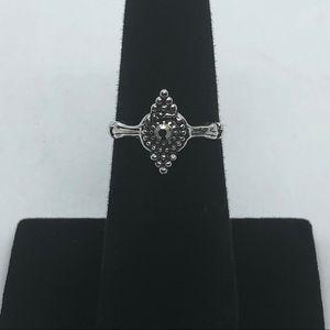 Women silver alloy ring.